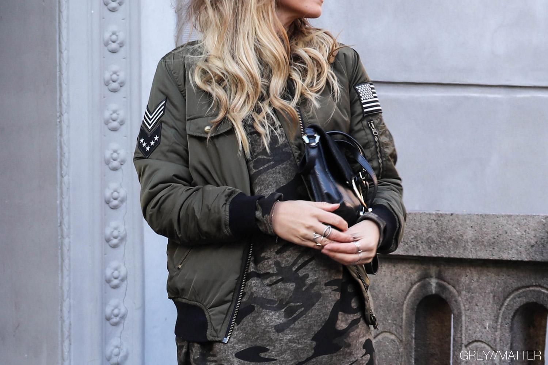 greymatter_fashion_khaki_bomberjakke_jackets.jpg