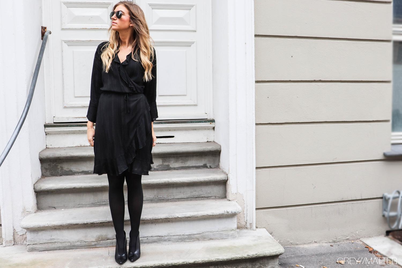 fanny_dress_sort_neo_noir_gm1.jpg