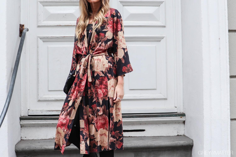 greymatter_fashion_kimono_lang_flower_gm1.jpg