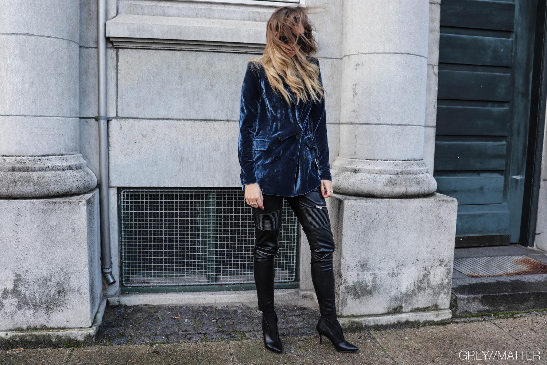 greymatter-adina-velvet-blazerjakke-neo-noir.jpg