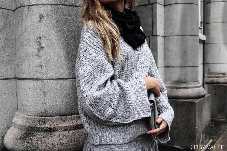 greymatter_fashion_bluse_loose_sweater_grey.jpg