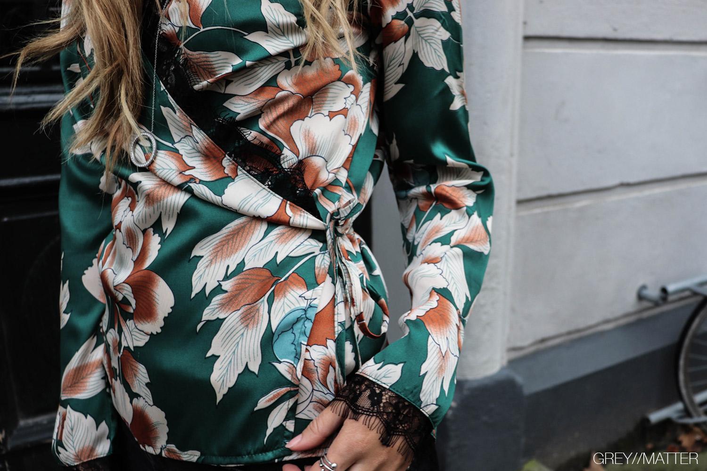 greymatter_fashion_bluse_bindebaand_green.jpg