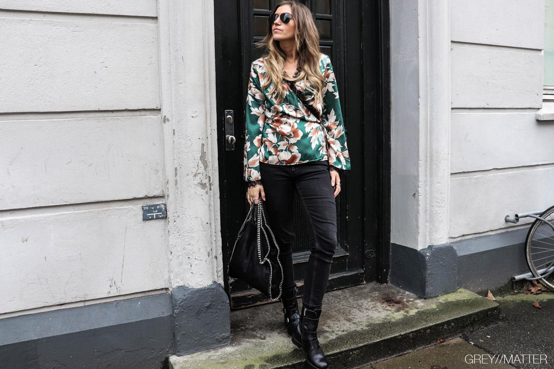 greymatter_reiko_jeans_stella-maccartney-printet-bluse.jpg