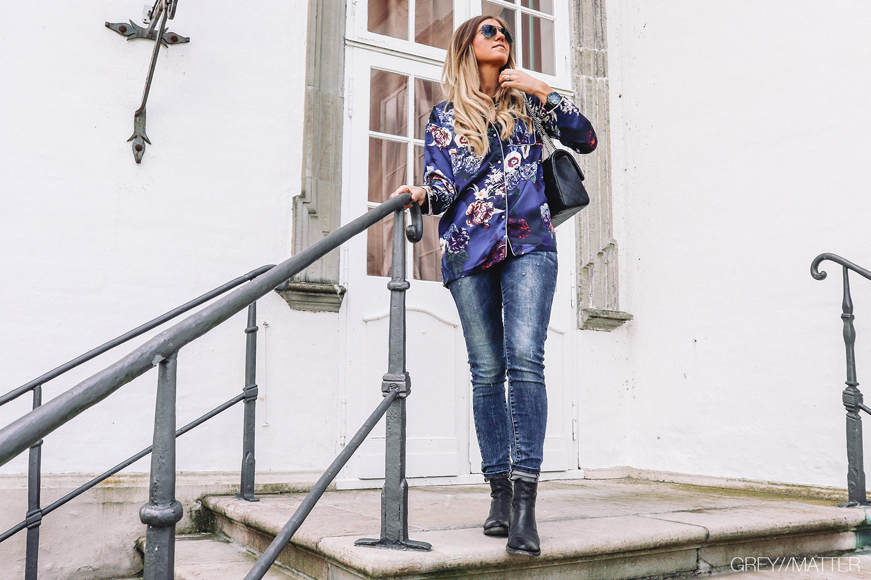 greymatter_notebook_blog_inspiration_til_pyjamas_looket_skjorte_jeans.jpg