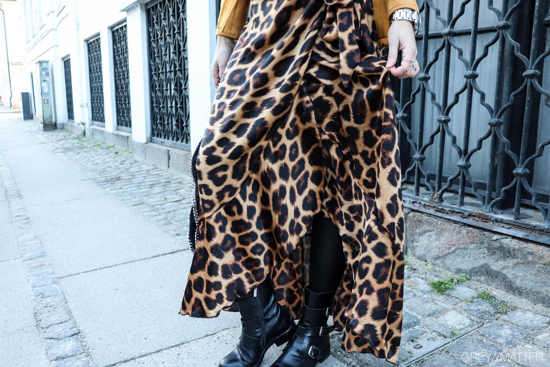 greymatter-fashion-ruffle-nederdel-leopard.jpg