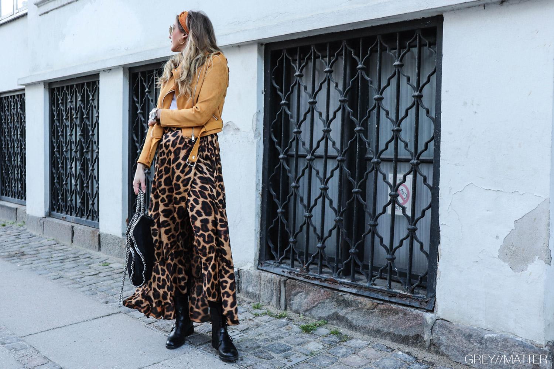 karmamia-copenhagen-ruffle-leopard-nederdel-pico-smykker.jpg