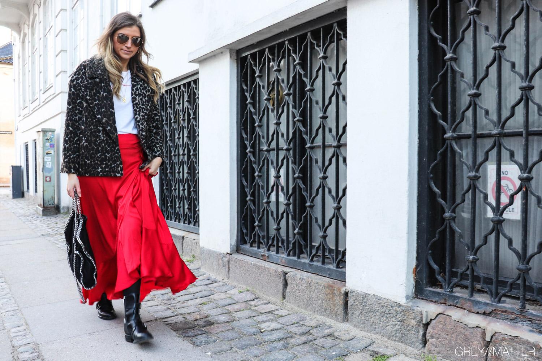 karmamia-nederdel-roed-slaa-om-ruffle-skirt.jpg