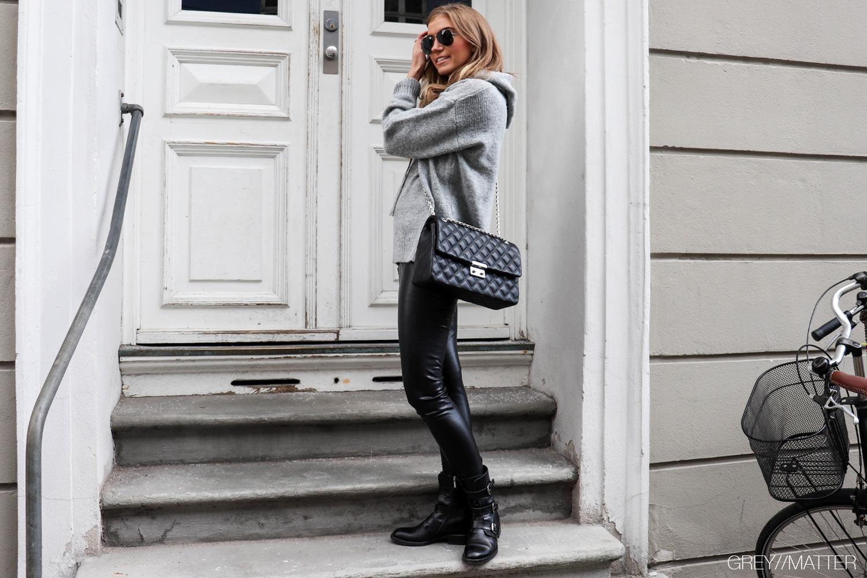 greymatter-strikbluse-blouse-grey-knit-notebook.jpg