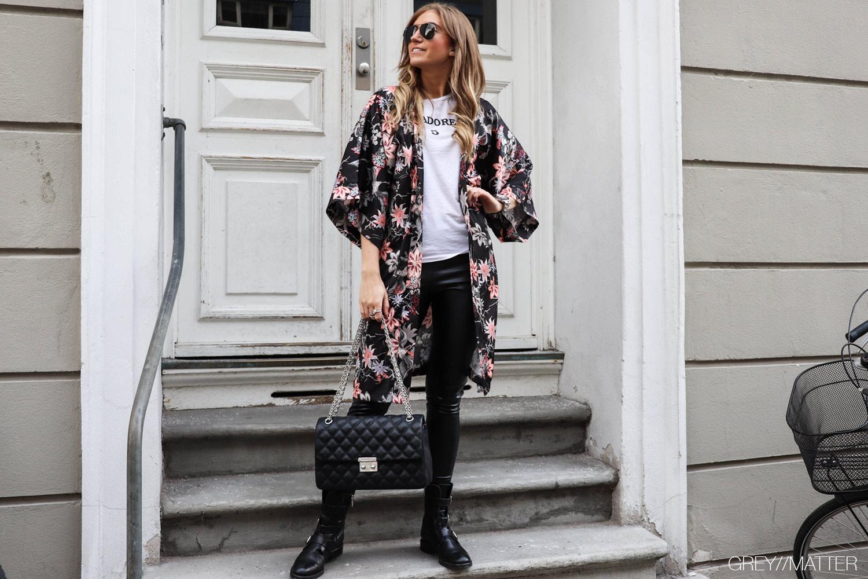 sort-kimono-cool-apair-stoevler.jpg