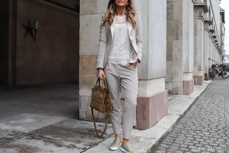 greymatter-imperial-bukser-light-pants.jpg