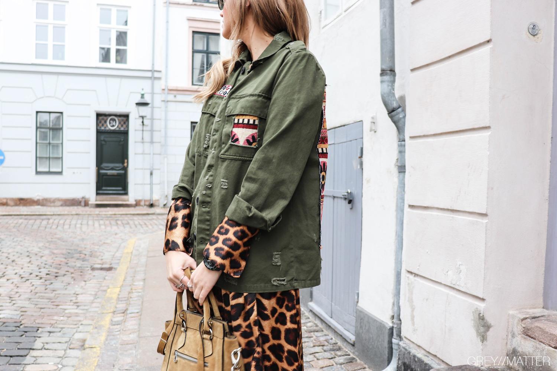 greymatter-fashion-armyjakke-leopard-zoe-karmamia.jpg
