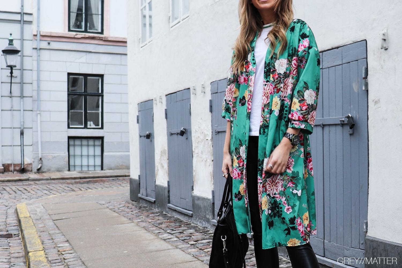 greymatter-fashion-vert-green-kimono-blomsterprint.jpg