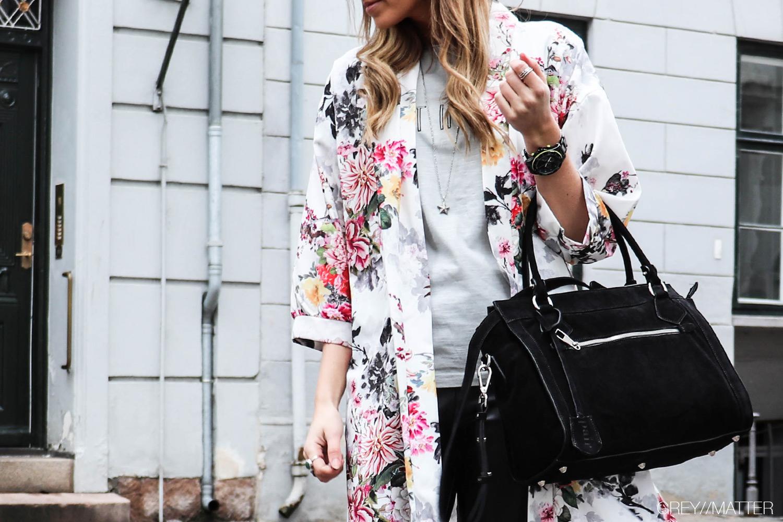 greymatter-kimono-hvid-print.jpg