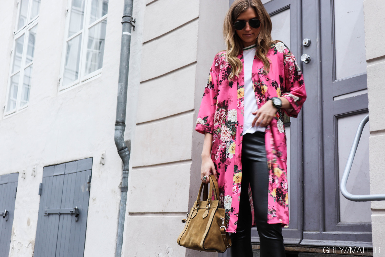 greymatter-kimono-pink-billige-kimonoer.jpg