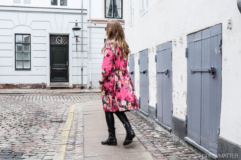 kimono-pink-blomsterprint-greymatter.jpg