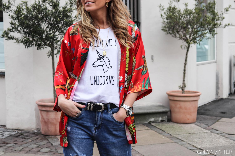 greymatter-roed-kimono-med-print-unicorn-tee.jpg