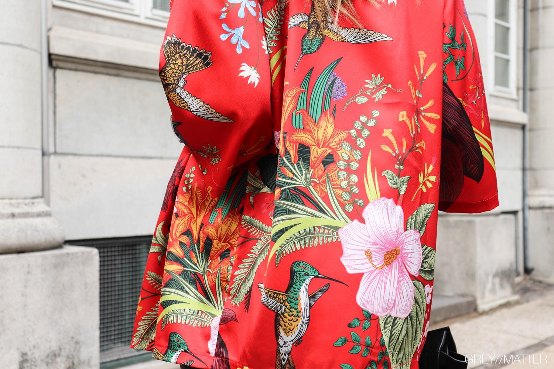 greymatter-kimono-blomsterprint.jpg