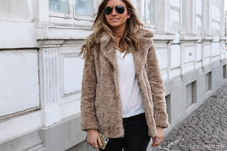 greymatter-fashion-teddy-coat-jakke-rayban-solbriller.jpg