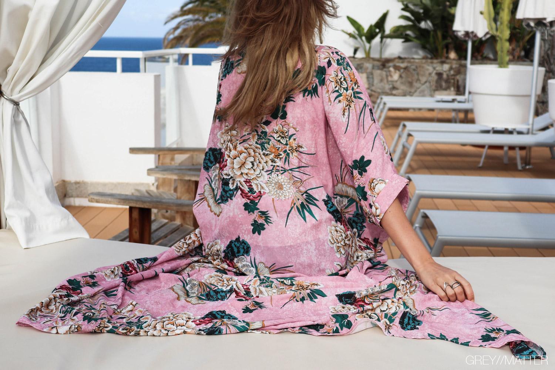 greymatter-fashion-lang-kimono-pink-flower-look.jpg
