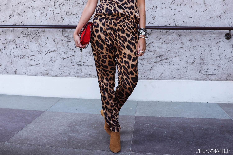 greymatter-fran-leopard-bukser-med-print.jpg