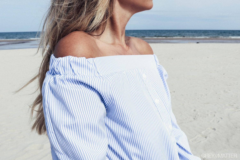 greymatter_fashion_off-shoulder_bluse.jpg