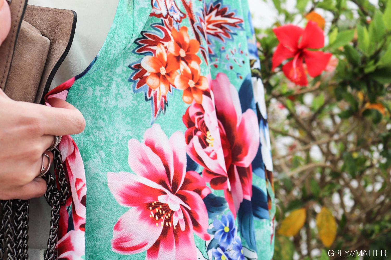 greymatter-fashion-kimonoer-blomsterprint-red.jpg
