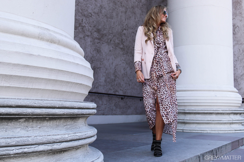 greymatter-fashion-imperial-kjole-leopard-lang.jpg