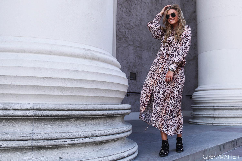 greymatter-fashion-leopard-imperial-kjole-lang.jpg