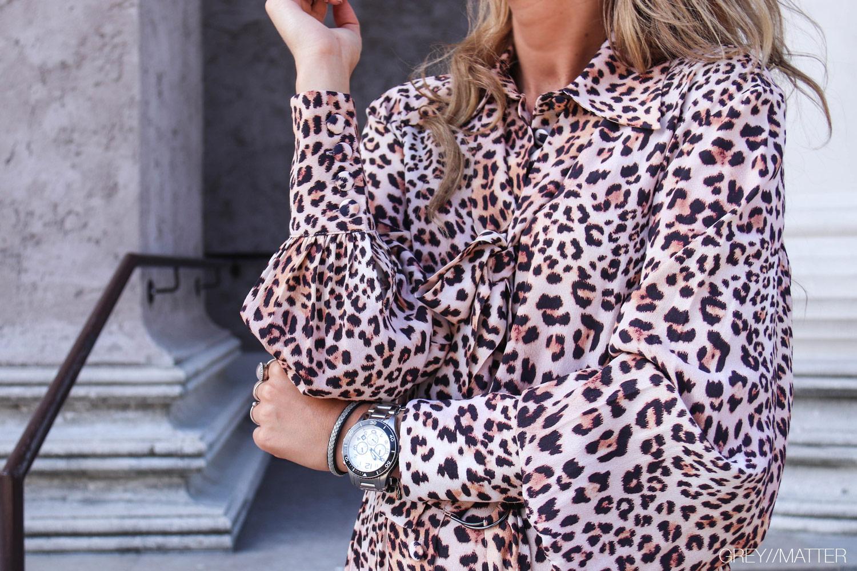 greymatter-fashion-leopard-kjole-detaljer-imperial-fashion-dress.jpg