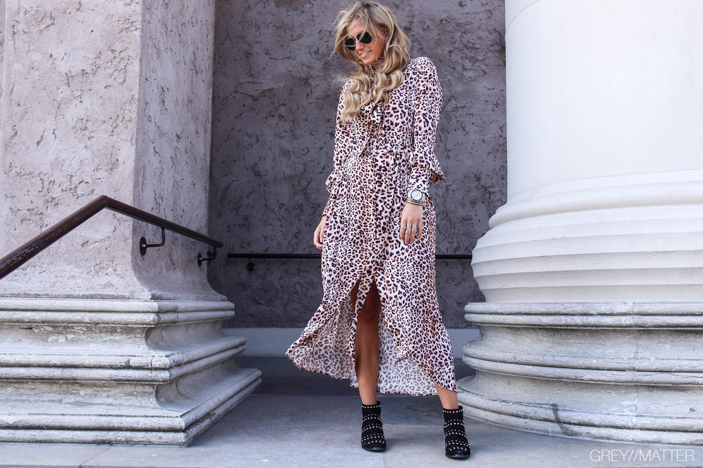 greymatter-imperial-leopard-kjole-lang.jpg