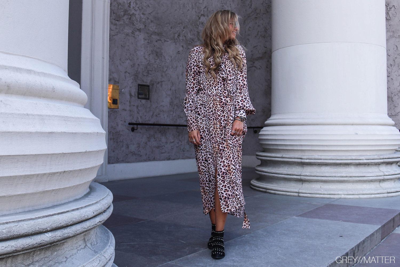 imperial-kjole-greymatter-leopard-printet-kjoler-lang.jpg