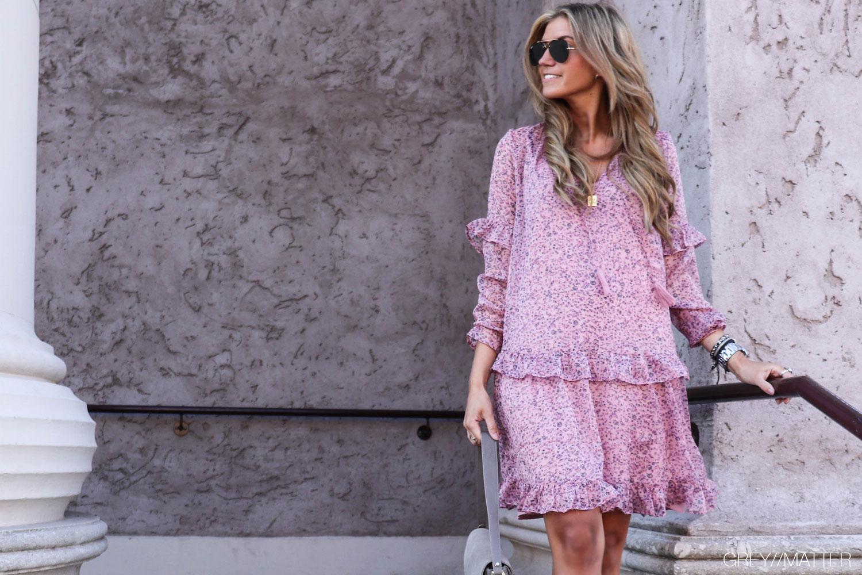 greymatter-fashion-neo-noir-kjole-blomsterprint.jpg