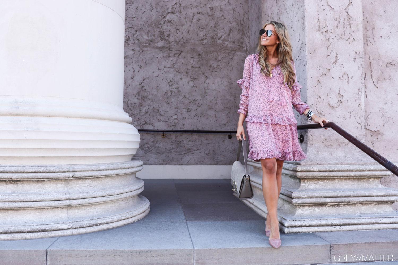 neo-noir-kjole-abela-lavendel-farvet-apair-sko-gm1.jpg