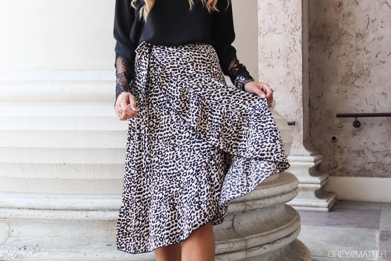 elena-leo-skirt-greymatter-neo-noir-nederdel-bestsellers.jpg
