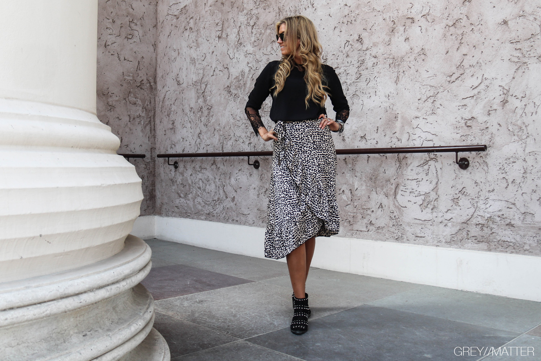 greymatter-elena-graphic-skirt-neo-noir-nederdel.jpg