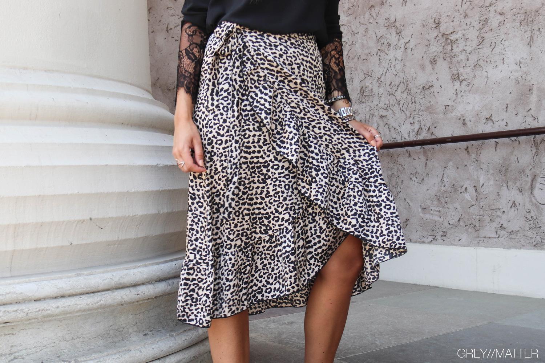 greymatter-neo-noir-elena-nederdel-neonoir.jpg