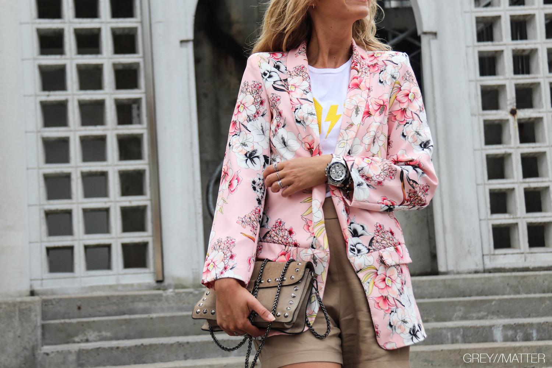 1-greymatter-blazerjakke-lyseroed-pink-1-jakke-imperial-shorts.jpg