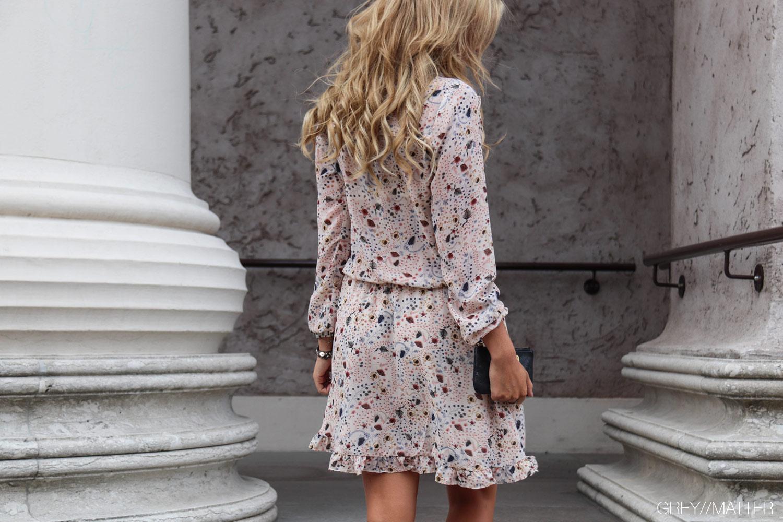 neo-noir-kjoler-med-print.jpg