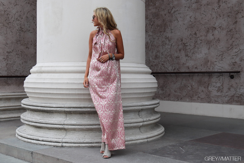 greymatter-fashion-karmamia-kjole-med-print.jpg