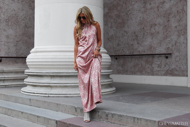 greymatter-karmamia-kjole-med-print.jpg