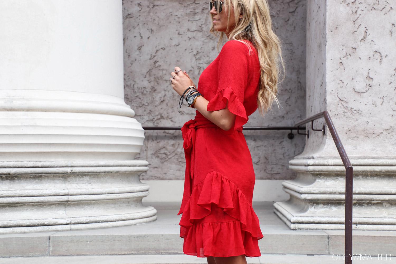 greymatter-fashion-roed-kjole-neo-noir-sommer-kjoler.jpg