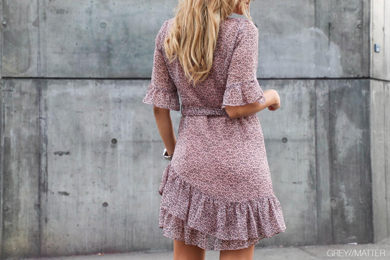 greymatter-fashion-kjole-med-print.jpg