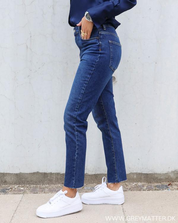 Mom jeans fra Pieces i mørkeblå