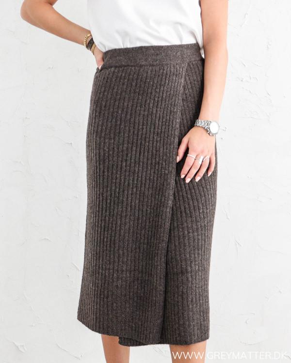 Pieces nederdel i strik mørkebrun