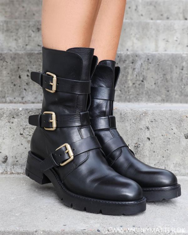 Rå støvler til damer med spænder fra Apair