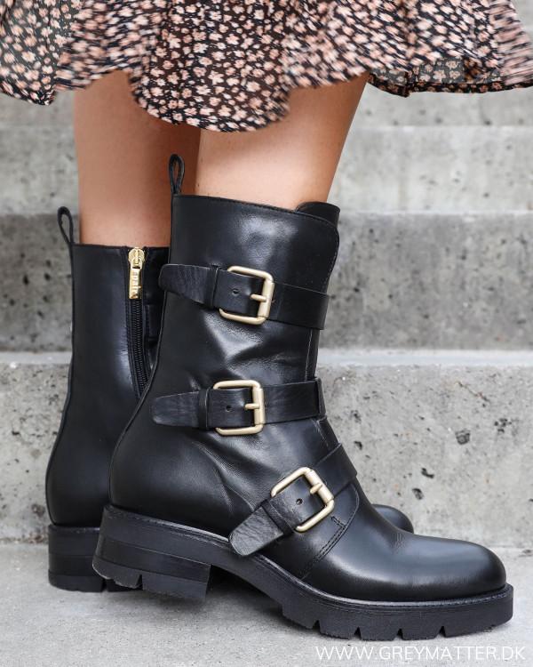 Apair sorte støvler til damer