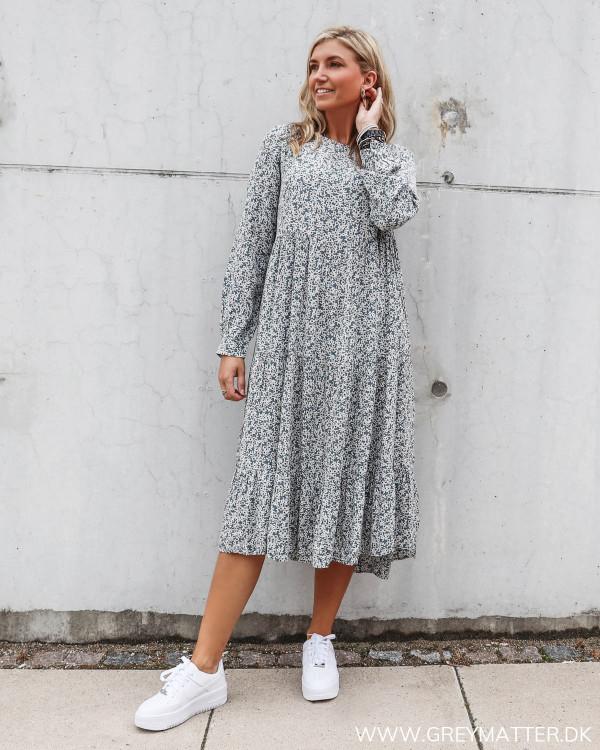 Pcmaggi kjole fra Pieces med blomsterprint