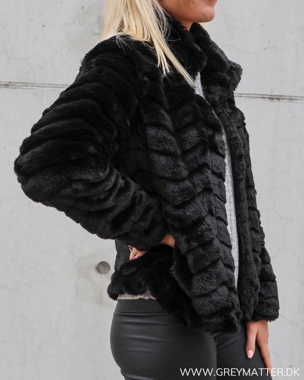 Vila sort faux fur jakke