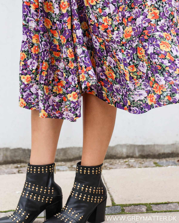 Pieces kjole med blomsterprint i lilla farver