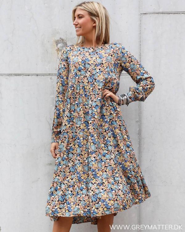 Pieces kjole med print i flotte farver